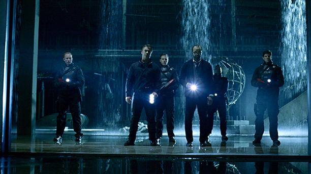 Luke Hemsworth as Stubbs, Jeffrey Wright as Bernard Lowe