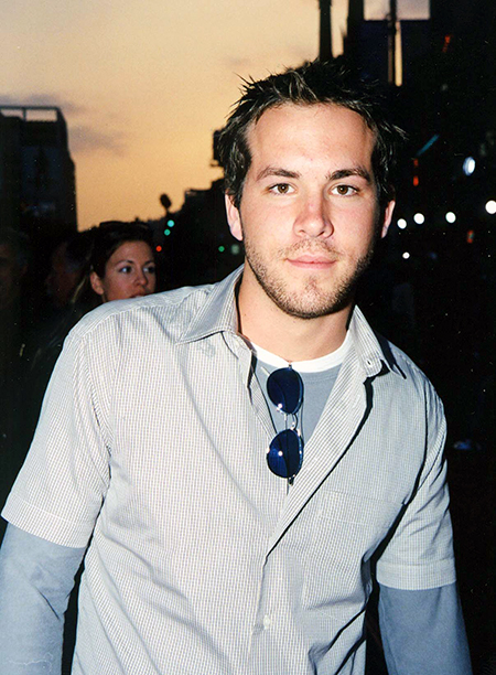 Ryan Reynolds at the Battlefield Earth Premiere in Hollywood on May 10, 2000