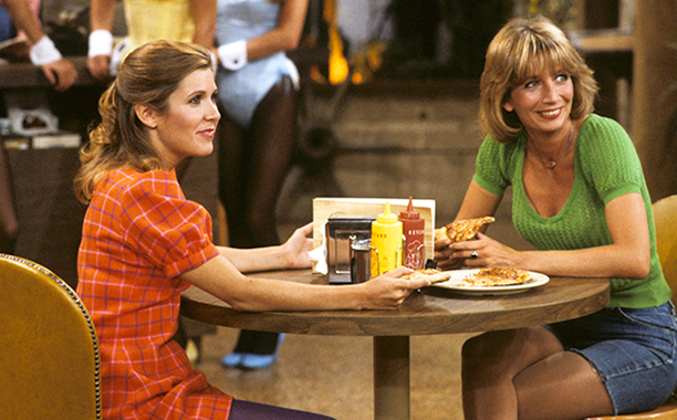 Carrie Fisher With Penny Marshall on Laverne & Shirley on November 9, 1982