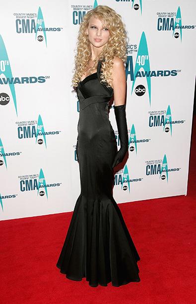 Taylor Swift at the 40th Annual CMA Awards on November 6, 2006