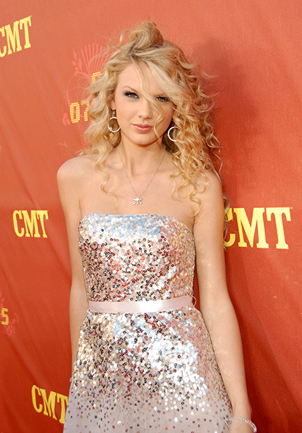 Taylor Swift at the 2007 CMT Music Awards on April 16, 2007
