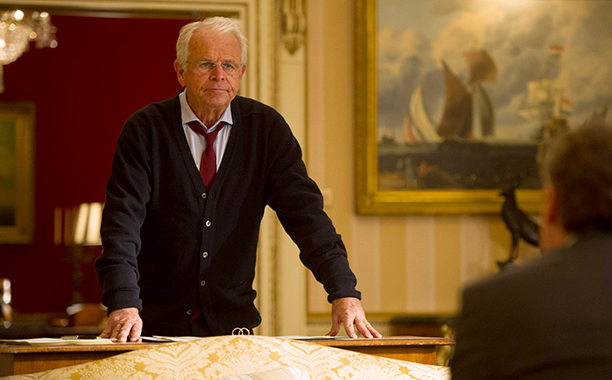 James Heller (William Devane)