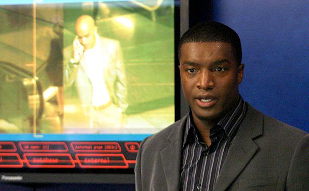 Curtis Manning (Roger Cross)
