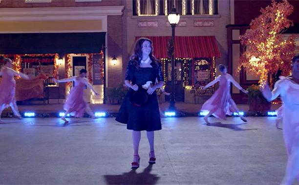 "Lorelai's Wedding Dress (Episode 4: ""Fall"")"