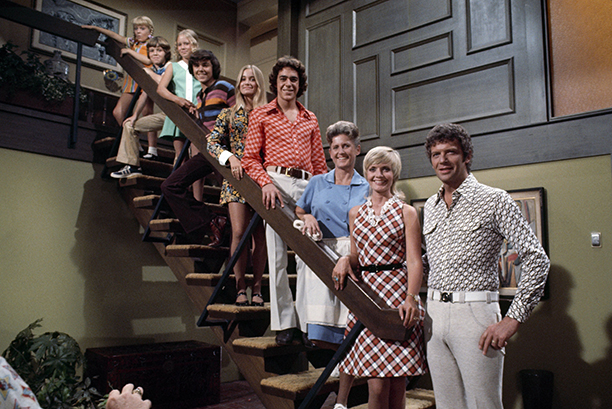 Florence Henderson With Susan Olsen, Robert Reed, Ann B. Davis, Barry Williams, Maureen McCormick, Christopher Knight, Eve Plumb, and Mike Lookinland on The Brady Bunch on August 27, 1969