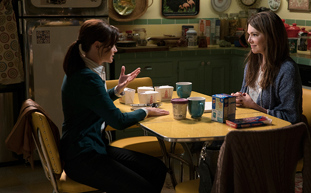 2016 Episode Gallery: Gilmore Girls: A Year In The Life - Fall - Alexis Bledel, Lauren Graham