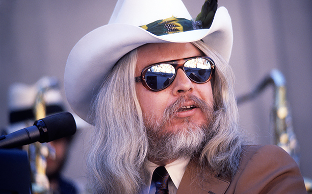 GALLERY: Stars We Lost in 2016: ALL CROPS: 113279932 BERKELEY, CA - SEPTEMBER 1977: Leon Russell performs at the Greek Theater on September 4, 1977 in Berkeley, California. (Photo by Ed Perlstein/Redferns/Getty Images)