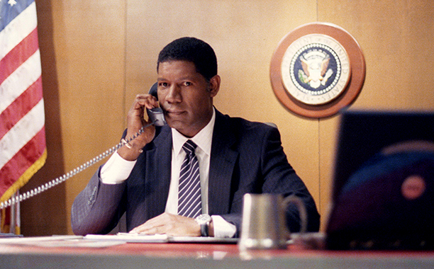 David Palmer (Dennis Haysbert)