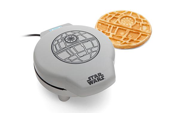 'Star Wars' Death Star Waffle Maker