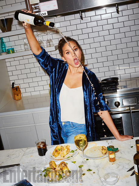 GALLERY: Cooking with Chrissy Teigen Chrissy Teigen photographed by Aaron Richter on November 16th, 2016, in NYC at the Time Inc. Photo Studio A Test Kitchen.