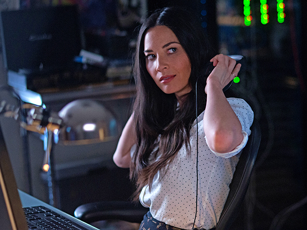 GALLERY: Olivia Munn as Tracey Hughes in OFFICE CHRISTMAS PARTY by Paramount Pictures, DreamWorks Pictures, and Reliance Entertainment