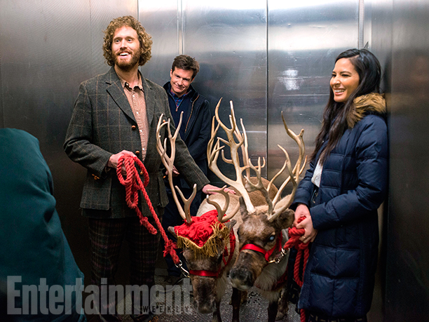 GALLERY: OFFICE CHRISTMAS PARTY (2016)(L-R) T.J. Miller as Clay Vanstone, Jason Bateman as Josh Parker and Olivia Munn as Tracey Hughes