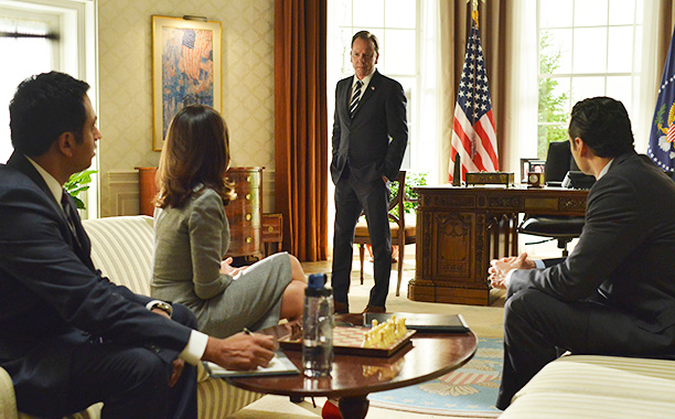 "RECAP: 11/30/16: ALL CROPS: DESIGNATED SURVIVOR - ""The Results"" - KAL PENN, ITALIA RICCI, KIEFER SUTHERLAND, ADAN CANTO WEDNESDAY, NOVEMBER 30"