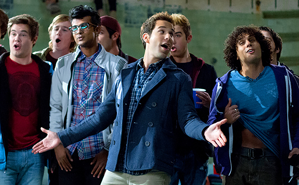 ALL CROPS: Pitch Perfect (2012) (L to R, center) Bumper (ADAM DeVINE), Donald (UTKARSH AMBUDKAR) and Jesse (SKYLAR ASTIN) are Treblemakers CR: Peter Iovino