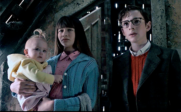 ALL CROPS: Lemony Snicket's A Series of Unfortunate Events | Trailer 2 | Netflix screengrab