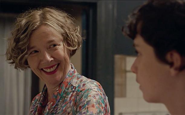 ALL CROPS: Annette Bening in '20th Century Women' clip