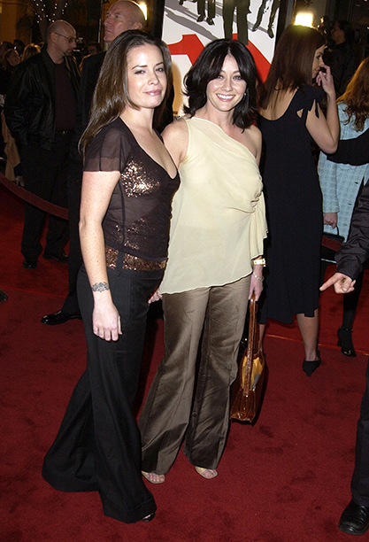 """GALLERY: 'Ocean's Eleven' Premiere: GettyImages-104922544.jpg Holly Marie Combs & Shannen Doherty during World Premiere of """"Ocean's Eleven"""" at Mann's Village Theatre in Westwood, California, United States."""