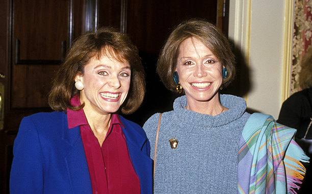 Mary Tyler Moore With Valerie Harper at the 45th Annual Golden Apple Awards on December 08, 1985