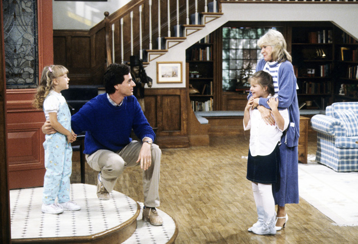 All Crops: 109418222 Collection: Disney ABC Television Group FULL HOUSE - Re-Shot Pilot - Airdate: September 22, 1987. (Photo by ABC Photo Archives/ABC via Getty Images)JODIE SWEETIN;BOB SAGET;CANDACE CAMERON;ALICE HIRSON