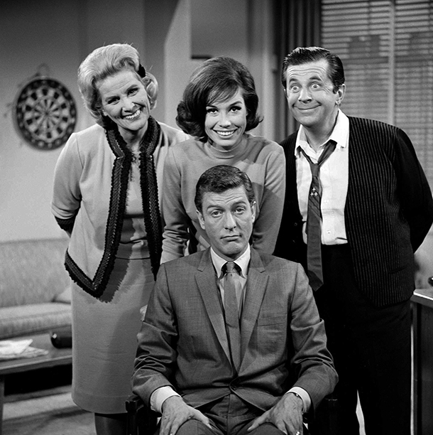 Mary Tyler Moore With Rose Marie, Morey Amsterdam, and Dick Van Dyke on The Dick Van Dyke Show in 1961