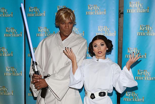 Michael Strahan as Luke Skywalker and Kelly Ripa as Princess Leia