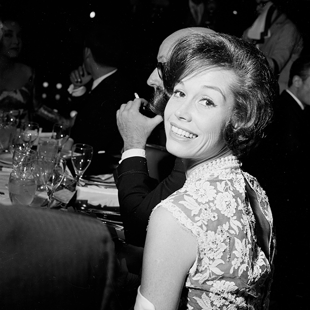 Mary Tyler Moore at the Golden Globe Awards in 1962