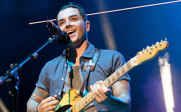 All Crops: 541171010 Collection: Getty Images Entertainment WANTAGH, NY - JUNE 18: Singer Chris Carrabba of the band Dashboard Confessional performs during the Rockstar Energy Drink Taste of Chaos Tour at Nikon at Jones Beach Theater on June 18, 2016 in W