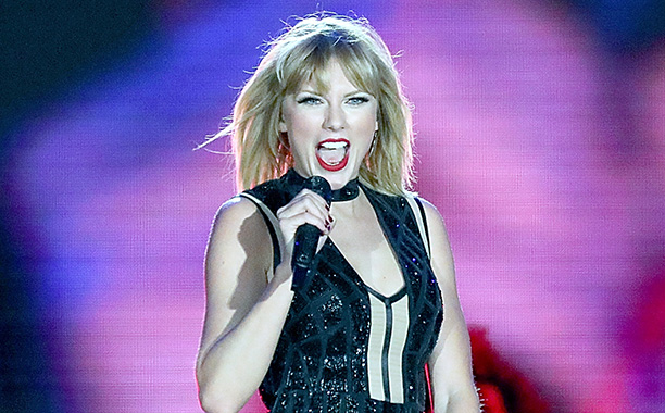 All Crops: 617309898 Collection: FilmMagic AUSTIN, TEXAS - OCTOBER 22: Taylor Swift performs her only full concert of 2016 during the Formula 1 United States Grand Prix at Circuit of The Americas on October 22, 2016 in Austin, Texas. (Photo by Gary Miller