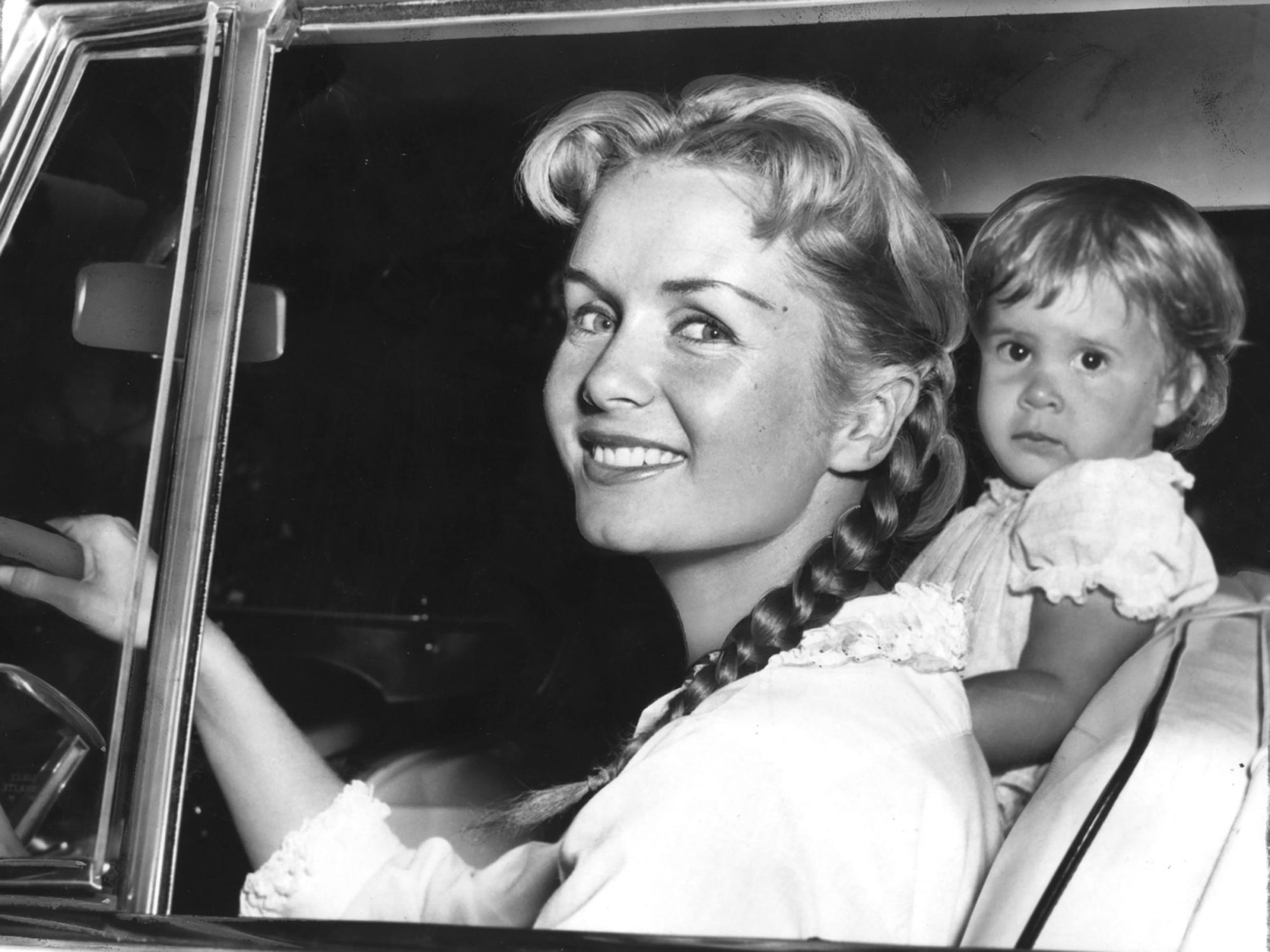 Debbie Reynolds And Carrie Fisher File Photo