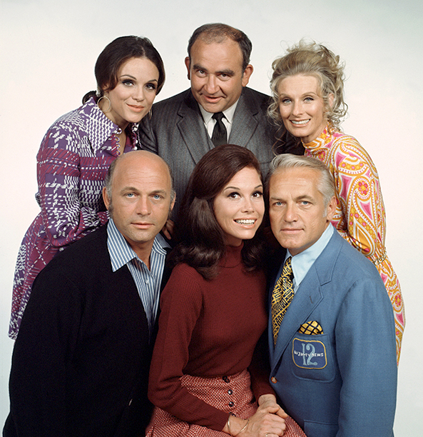 Mary Tyler Moore With Valerie Harper, Edward Asner, Cloris Leachman, Gavin MacLeod, and Ted Knight on The Mary Tyler Moore Show in 1972