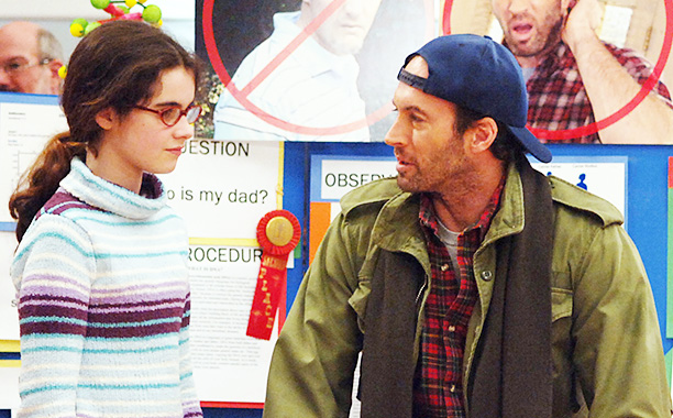 "All Crops: Gilmore Girls ""The Prodigal Daughter Returns"" (Episode #609) Image #GG609-0116 Pictured (l-r): Vanessa Marano as April, Scott Patterson as Luke Danes Credit: © The WB/Patrick Ecclesine"