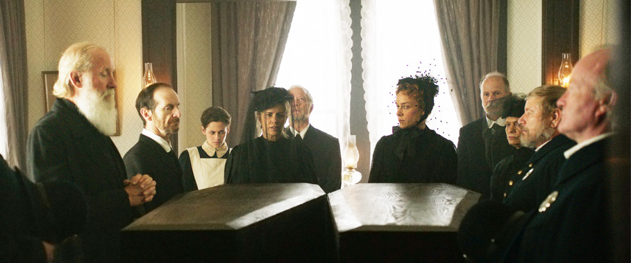 All Crops: CHLOE SEVIGNY AND KRISTEN STEWART 'LIZZIE' Production Still
