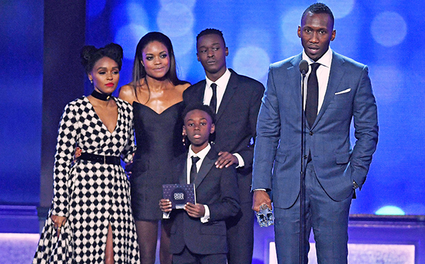 ALL CROPS: 629194944 Janelle Monae, Naomie Harris, Alex R. Hibbert, Ashton Sanders, and Mahershala Ali accept Best Acting Ensemble for 'Moonlight' onstage during the The 22nd Annual Critics' Choice Awards at Barker Hangar on December 11, 2016 in Santa Mon