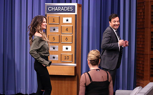 ALL CROPS: THE TONIGHT SHOW STARRING JIMMY FALLON -- Episode 0583 -- Pictured: (l-r) Model Chrissy Teigen, comedian Chelsea Handler, and host Jimmy Fallon play Charades on December 02, 2016 -- (Photo by: Andrew Lipovsky/NBC)
