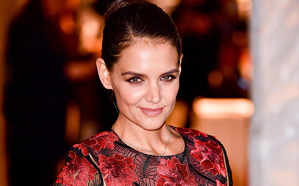 ALL CROPS: 626392958 Katie Holmes arrives to the 2016 IFP Gotham Independent Film Awards at Cipriani Wall Street on November 28, 2016 in New York City. (Photo by James Devaney/GC Images)