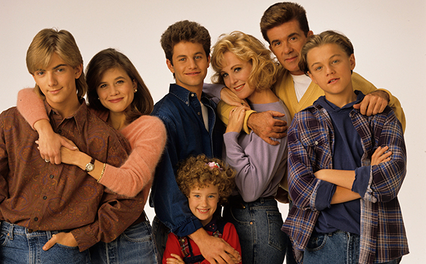 ALL CROPS: 454929336 GROWING PAINS - Gallery - Shoot Date: September 28, 1991. (Photo by ABC Photo Archives/ABC via Getty Images) JEREMY MILLER;TRACEY GOLD;KIRK CAMERON;ASHLEY JOHNSON;JOANNA KERNS;ALAN THICKE;LEONARDO DICAPRIO
