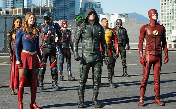 "RECAP: 12/1/16: ALL CROPS: DC's Legends of Tomorrow --""Invasion!""-- Image LGN207a_0021.jpg -- Pictured (L-R): Maisie Richardson- Sellers as Amaya Jiwe/Vixen, Melissa Benoist as Kara/Supergirl, Brandon Routh as Ray Palmer/Atom, Nick Zano as Nate Heywood/St"