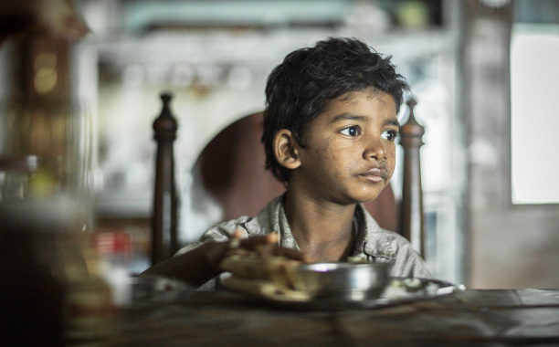 All Crops: LION, Sunny Pawar, 2016. ph: Mark Rogers/©The Weinstein Company/courtesy Everett Collection