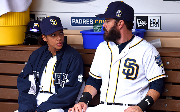 "ALL CROPS: PITCH: L-R: Kylie Bunbury and Mark-Paul Gosselaar in the all-new ""Scratched"" episode of PITCH airing Thursday, Dec. 1 (8:59-10:00 PM ET/PT) on FOX.CR: Ray Mickshaw / FOX. © 2016 FOX Broadcasting Co."