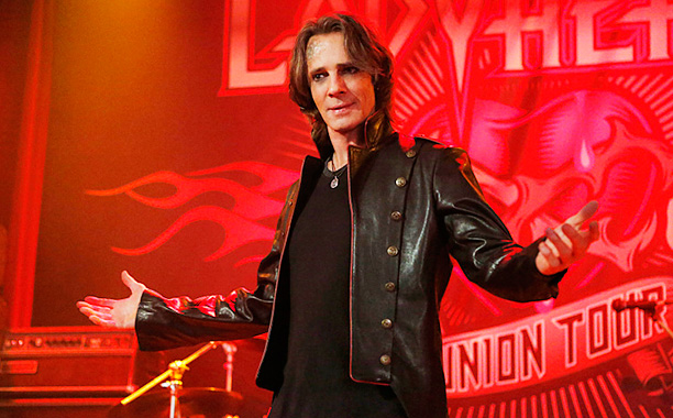 """RECAP: 12/1/16: ALL CROPS: Supernatural -- """"Rock Never Dies"""" -- SN1207a_0145.jpg -- Pictured: Rick Springfield as Vince Vincente -- Photo: Bettina Strauss/The CW 12/1/2016."""