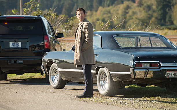 "RECAP: 12/8/16: ALL CROPS: Supernatural --""LOTUS""-- SN1208b_0225.jpg -- Pictured: Misha Collins as Castiel -- Photo: Diyah Pera/The CW -- © 2016 The CW Network, LLC. All Rights Reserve"