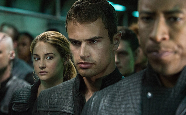 ALL CROPS: Divergent (2014) SHAILENE WOODLEY and THEO JAMES