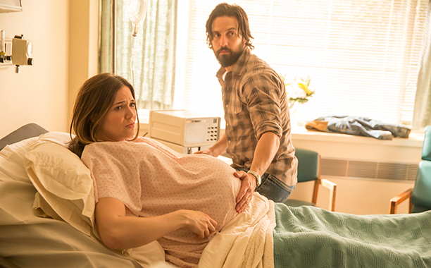 """GALLERY: Most Shocking TV Moments of 2016: THIS IS US Season 1, Episode 1 - """"Pilot"""" - Sept. 20, 2016 Mandy Moore and Milo Ventimiglia"""