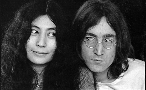 ALL CROPS: 144794077 Close-up portrait of Japanese-born artist and musician Yoko Ono and British musican and artist John Lennon (1940 - 1980), December 1968. (Photo by Susan Wood/Getty Images