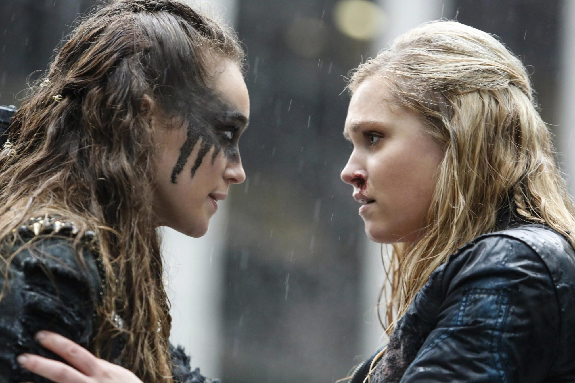 The 100: Clarke and Lexa 30 Messed Up TV Moments That Made Us Give Up On The Whole Show