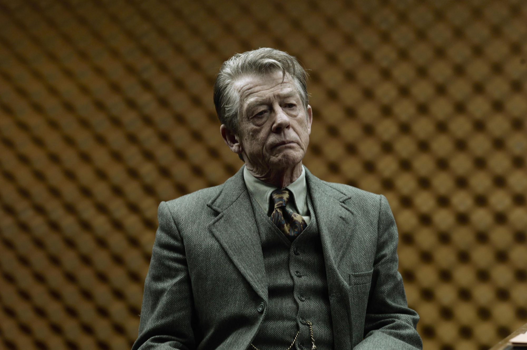 TINKER TAILOR SOLDIER SPY, John Hurt, 2011. ph: Jack English/©Focus Features/Courtesy Everett Collec