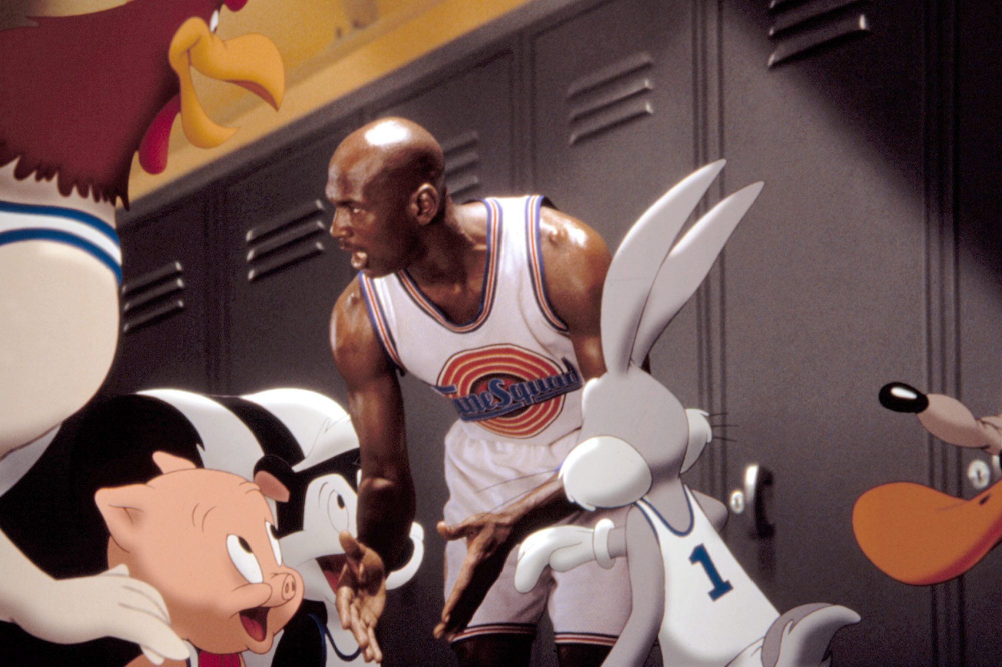 SPACE JAM, Foghorn Leghorn, Porky Pig, Pepe le Pew, Michael Jordan, Bugs Bunny, Daffy Duck, 1996. (c