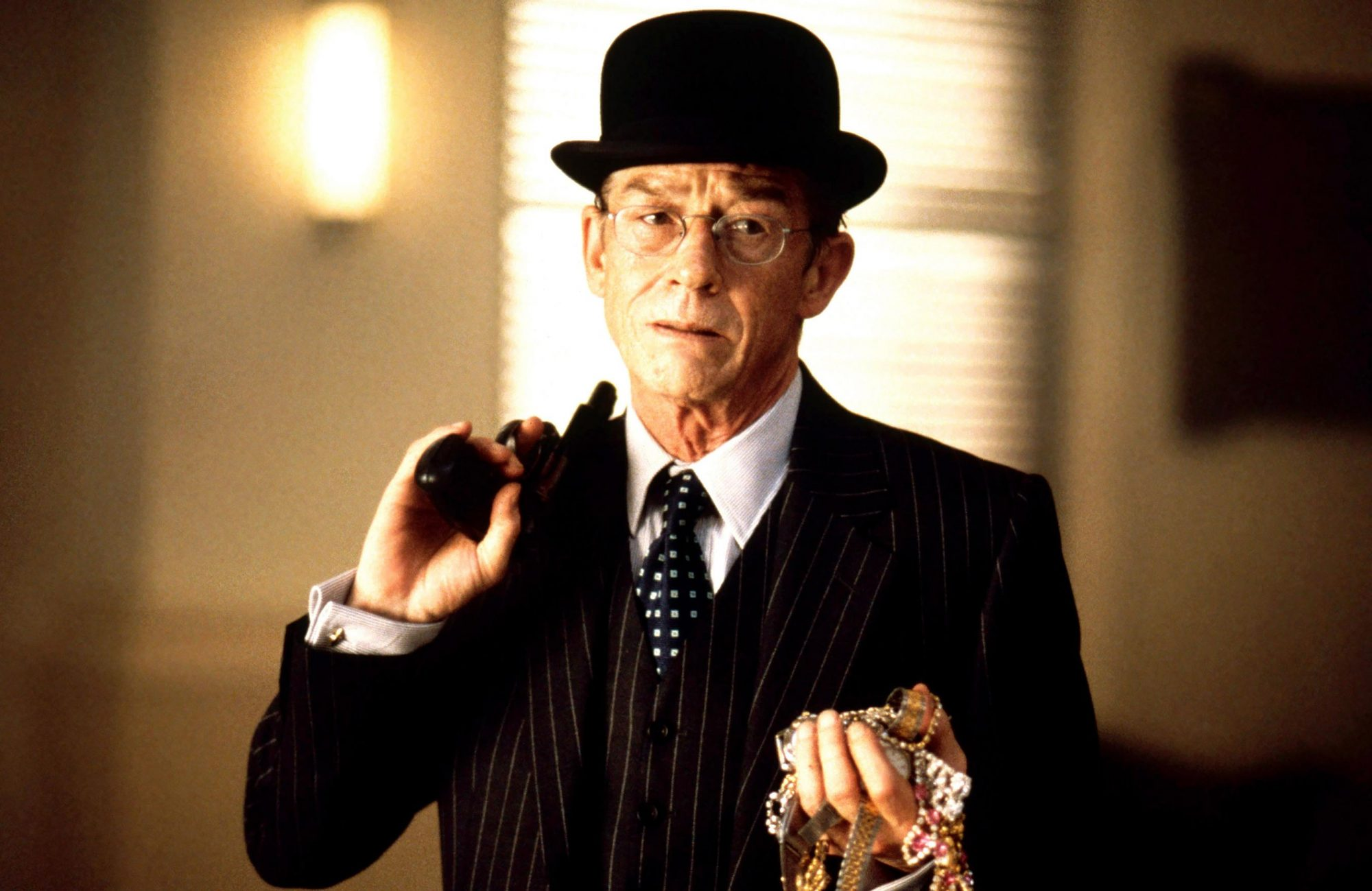 YOU'RE DEAD..., John Hurt, 1999,  ©Trident Releasing/courtesy Everett Collection