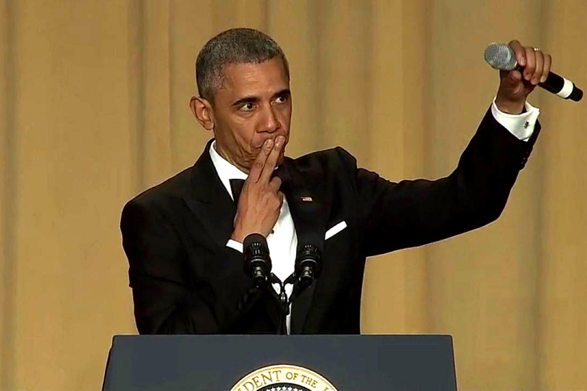 obama-mic-drop