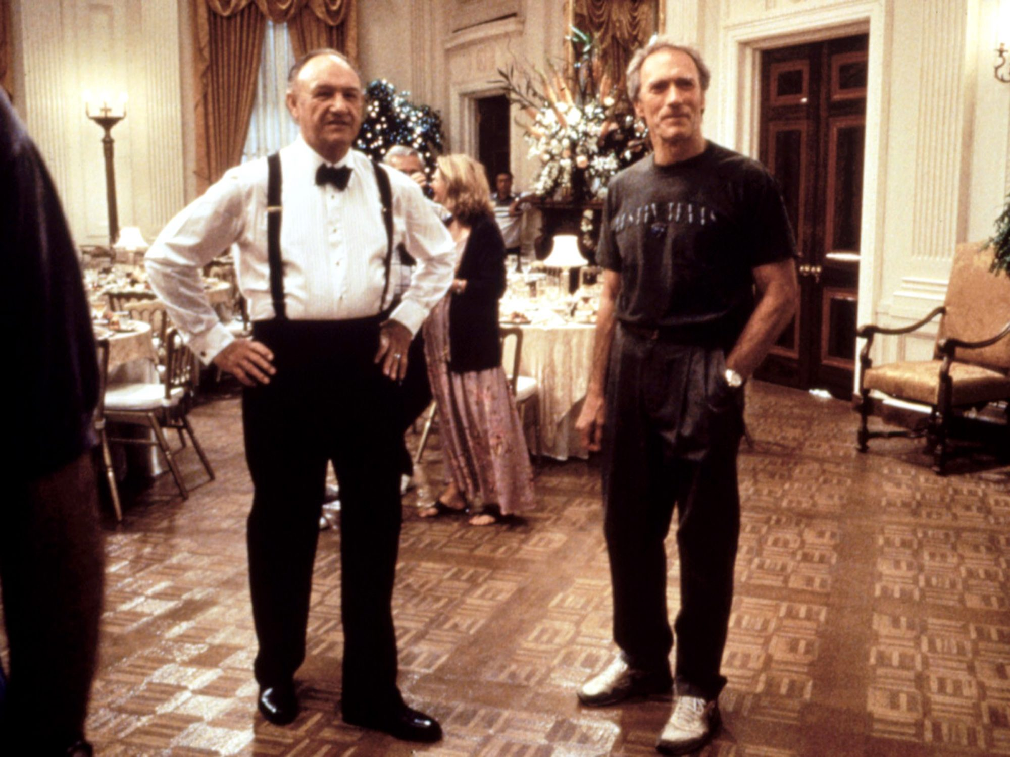 ABSOLUTE POWER, Gene Hackman and Clint Eastwood during shooting, 1997